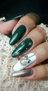 Ricostruzione Nail Art Natalizia Verde